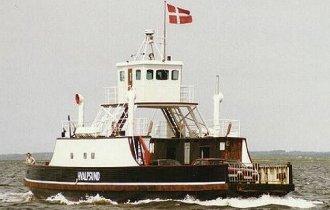 foto: Wilhelm Langes ©  www.fjordfaehren.de.vu;M/F Hvalpsund som husbåd i København, Foto: Kai W. Mosgaard;